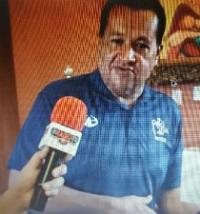 Jaime is interviewed on the radio station La Mejor GR after registering to vote