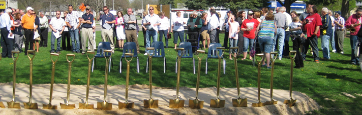Students, staff and alumni gather for the groundbreaking ceremony