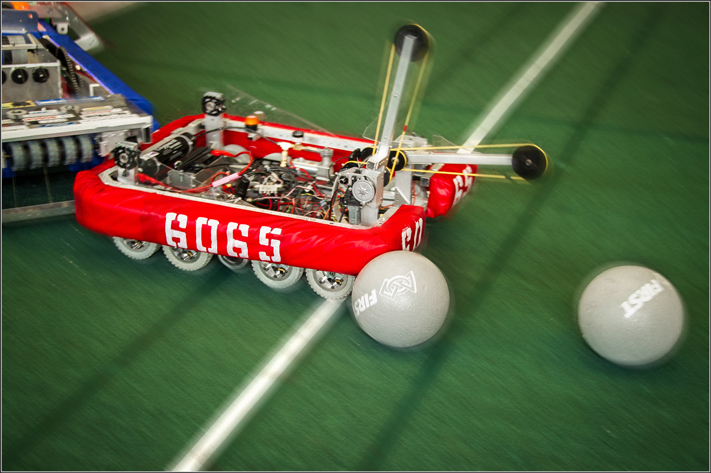 Robots also retrieved balls and threw them into towers for additional points
