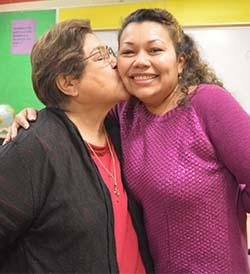 Tummelson embraces parent Vilma Gonzalez