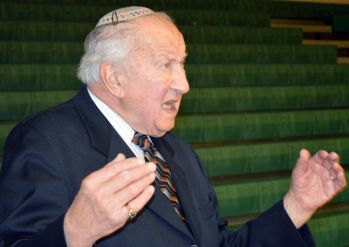 Martin Lowenberg speaks to Comstock Park students about surviving the Holocaust