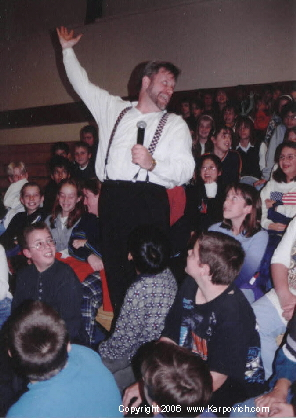Michael Karpovich's school presentation seeks to inspire parents to help their children stand up to alcohol, drugs and bullies (cr. Karpovich.com)